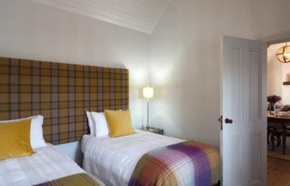 Twin Bedroom 1 413x265