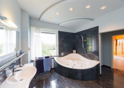 Corner Bath Granite 400x284
