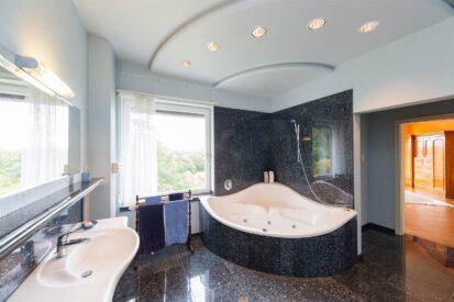 Corner Bath Granite 413x275