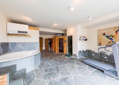 Corner Bath Gym 400x284