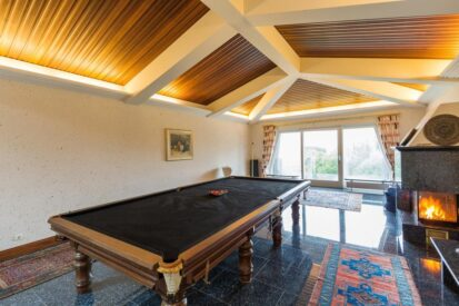 Snooker Table 413x275