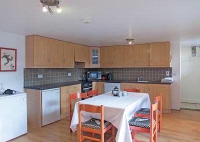 Apartment Kitchen 400x284