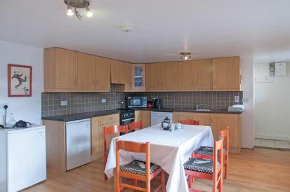 Apartment Kitchen 413x274