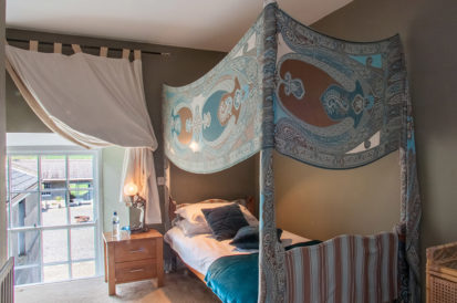 Bedroom Single 413x274