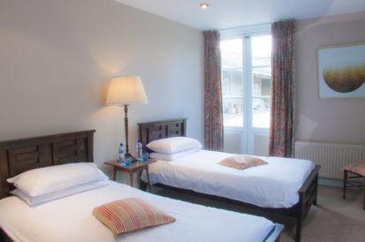 Bedroom Twin Wood 413x274