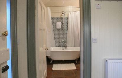Bath 413x264