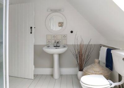 Bathroom 1 400x284