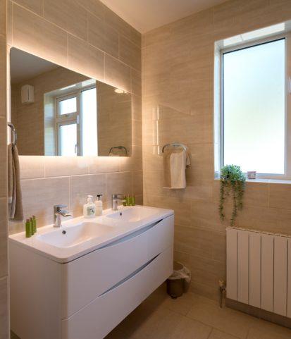 Bathroom 413x481