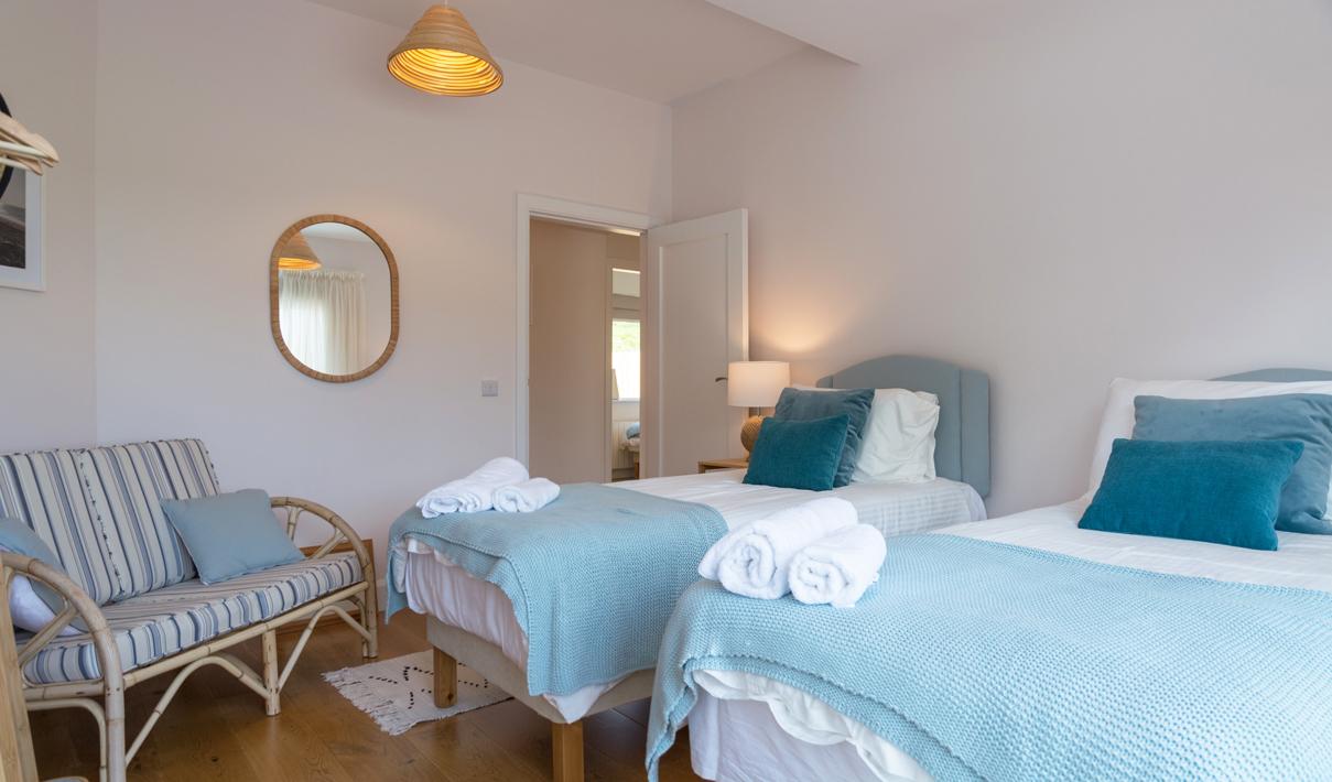 Bedroom Twin Pano