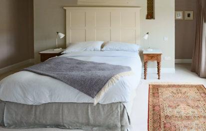 Grey Bed 413x263