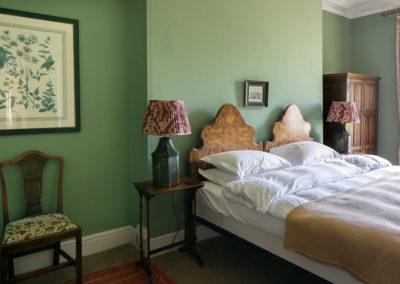 Bedroom Double Walnut 400x284