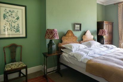 Bedroom Double Walnut 413x275
