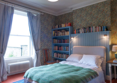 Bedroom Flowery 1 400x284