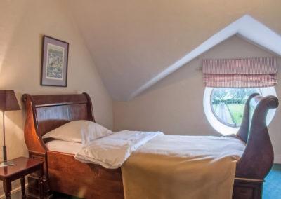 Bedroom Sleigh 2 400x284