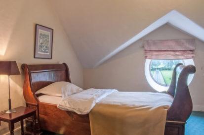Bedroom Sleigh 2 413x274