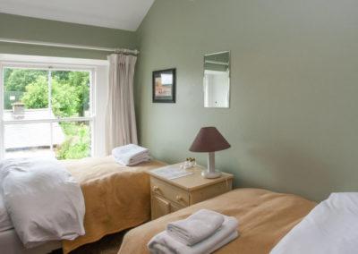 Bedroom Twin Annex 400x284