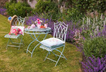Garden Table Pink 413x280