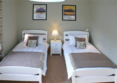 Twin Beds 400x284