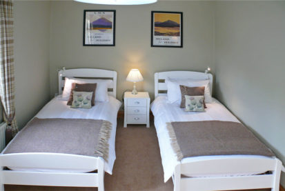 Twin Beds 413x277