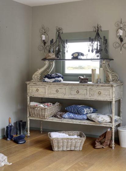 Laundry 413x561