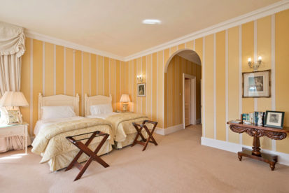 Bedroom Twin 413x276