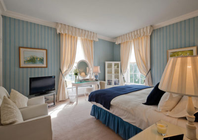 Double Bedroom Blue 400x284