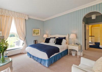 Double Bedroom Blue Bed 400x284