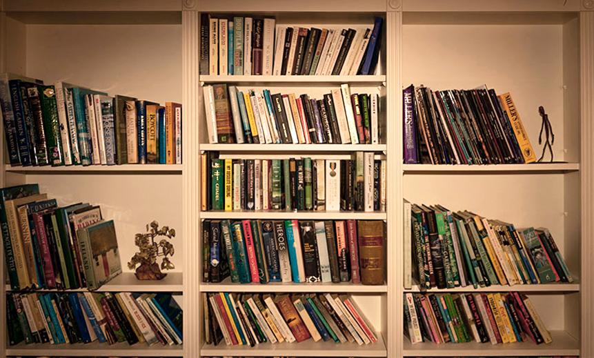 Bookshelf T