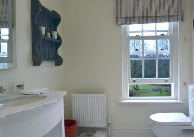Bathroom 2 400x284