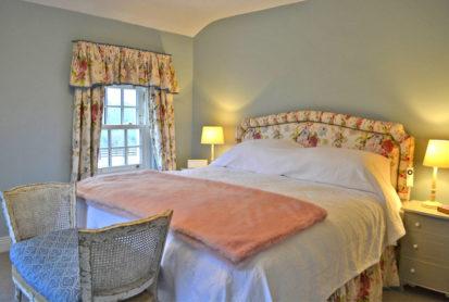 Master Bedroom 413x278