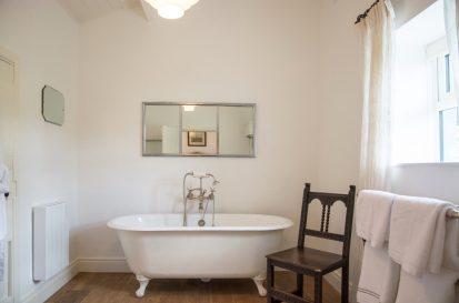 Bedroom Double Bath 413x273