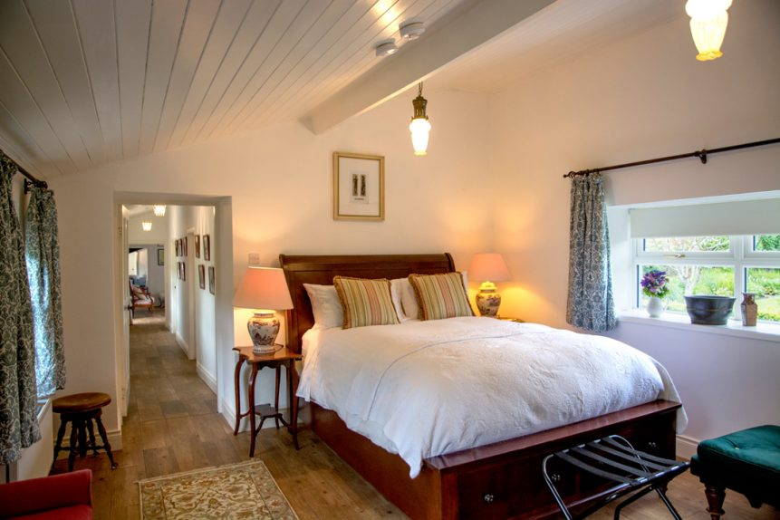 Master Bedroom 861x574