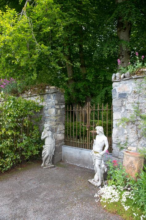 Sculptures Gate