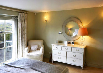 Bedroom Table 400x284
