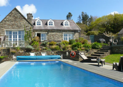 Pool House 400x284