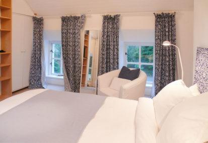 Bedroom 413x284
