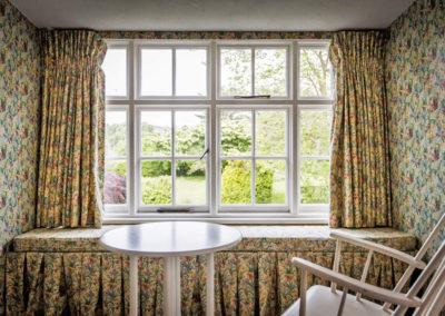 Flowery Window 400x284
