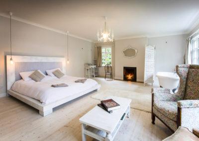 Master Bedroom Fire 400x284