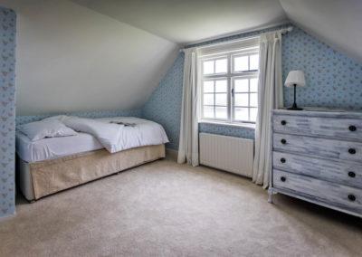 Single Bedroom 400x284